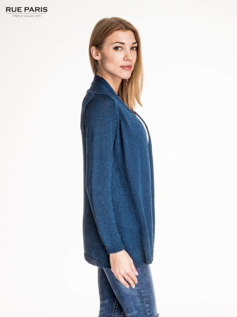 Ciemnoniebieski otwarty sweter z błyszczącą nitką                                  zdj.                                  3