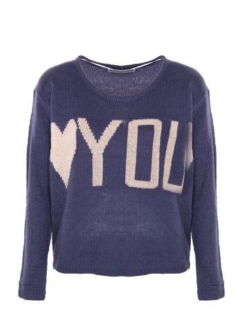 Ciemnoniebieski sweter z sercem i napisem YOU