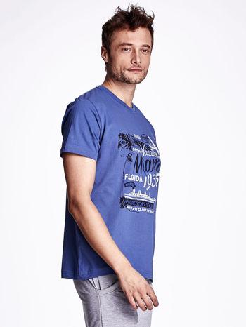 Ciemnoniebieski t-shirt męski z nadrukiem napisów MIAMI FLORIDA 1955                                  zdj.                                  3