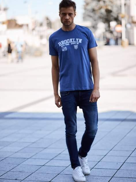 Ciemnoniebieski t-shirt męski z napisami BROOKLYN NEW YORK SPIRIT 86                                  zdj.                                  6