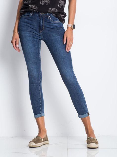 Ciemnoniebieskie jeansy Deluxe                              zdj.                              1