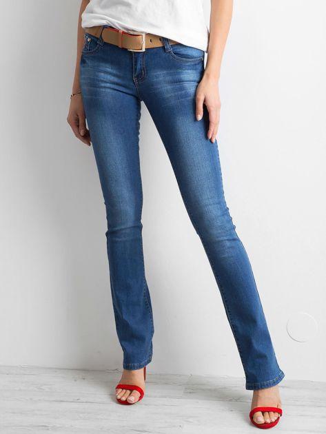 Ciemnoniebieskie jeansy boot-cut                              zdj.                              1
