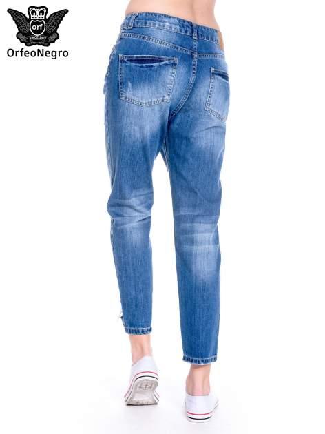 Ciemnoniebieskie spodnie boyfried jeans z dziurami                                  zdj.                                  6