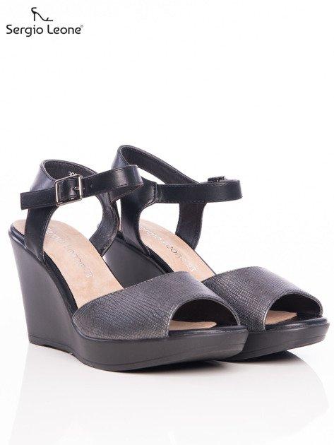 Ciemnosrebrne tłoczone sandały Sergio Leone na koturnach                                  zdj.                                  2