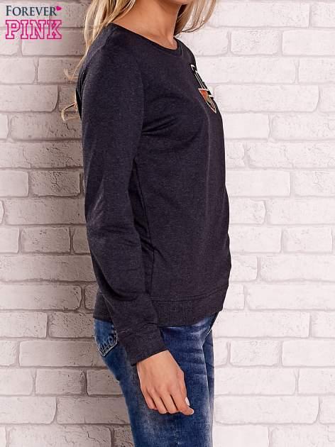 Ciemnoszara bluza z kolorowymi naszywkami                                  zdj.                                  3