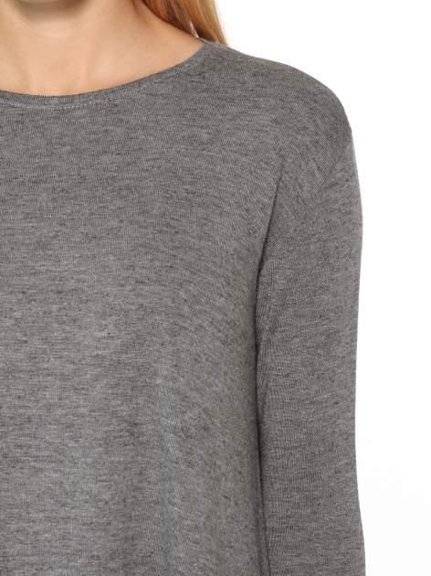 Ciemnoszara bluzka o rozkloszowanym kroju z rękawami 3/4                                  zdj.                                  6