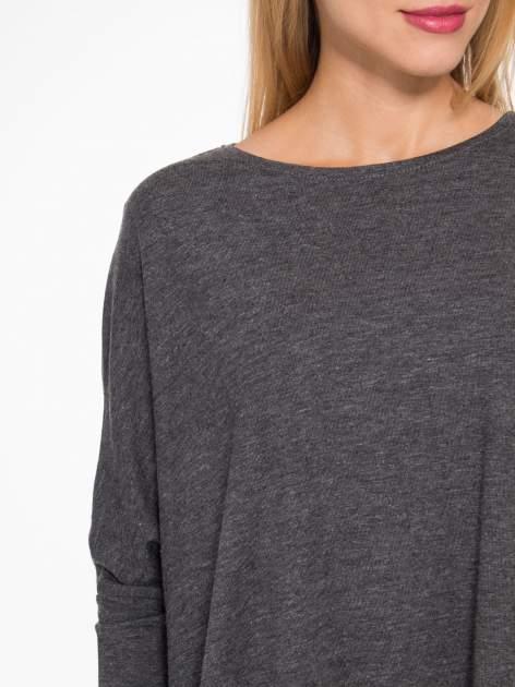 Ciemnoszara bluzka oversize o obniżonej linii ramion                                  zdj.                                  6