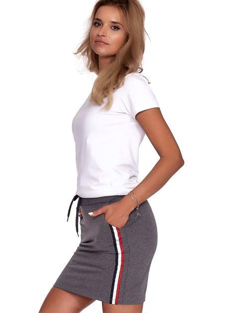 Ciemnoszara dresowa spódnica mini z kieszeniami i paskami                              zdj.                              6