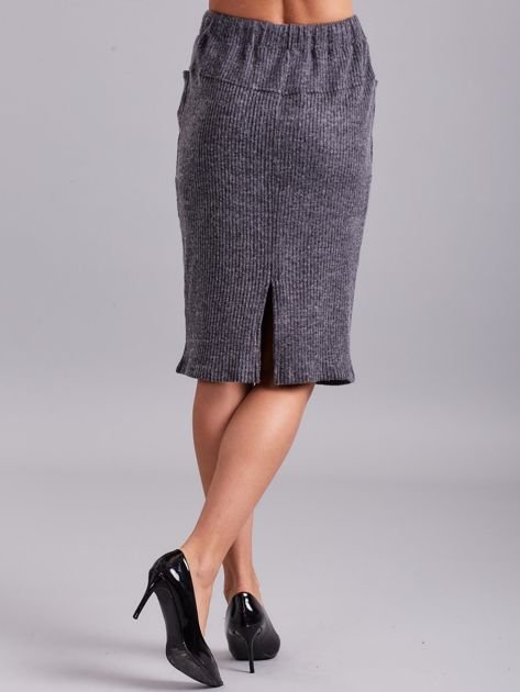 Ciemnoszara prążkowana spódnica z kieszeniami                              zdj.                              2