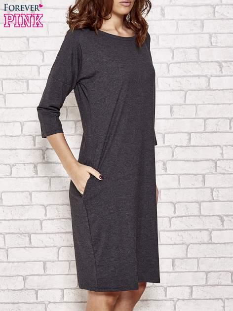 Ciemnoszara prosta sukienka dresowa                                  zdj.                                  3
