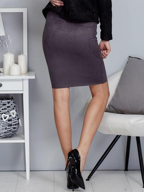 Ciemnoszara spódnica z imitacji zamszu                              zdj.                              2