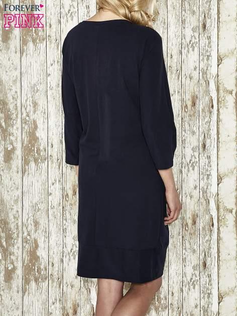 Ciemnoszara sukienka dresowa z sercem z dżetów                                  zdj.                                  3