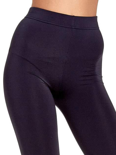 Ciemnoszare legginsy basic z lekkim ociepleniem                                  zdj.                                  5