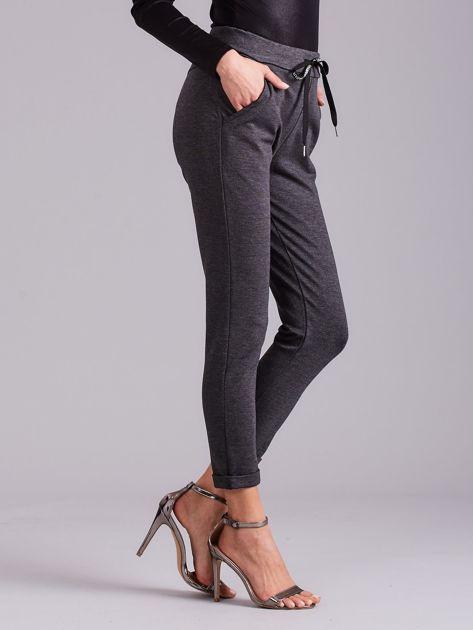 Ciemnoszare spodnie damskie z troczkami                              zdj.                              4