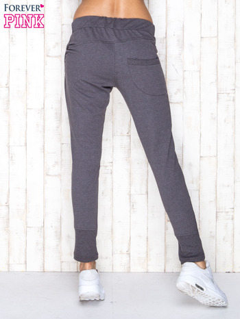 Ciemnoszare spodnie dresowe z suwakami                                  zdj.                                  3