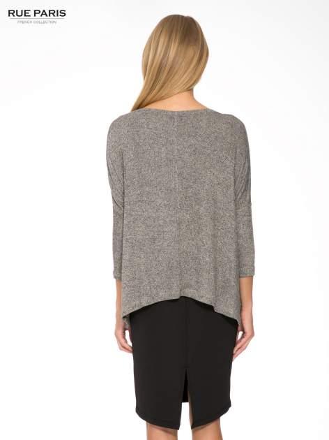 Ciemnoszary melanżowy sweter oversize o obniżonej linii ramion                                  zdj.                                  4