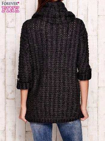Ciemnoszary melanżowy sweter z szerokim golfem i kieszeniami                                   zdj.                                  4