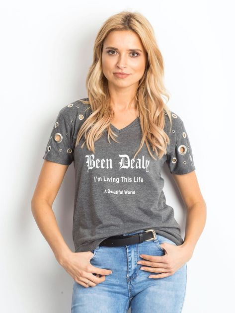 Ciemnoszary t-shirt z ażurowymi kółeczkami i napisem                              zdj.                              1