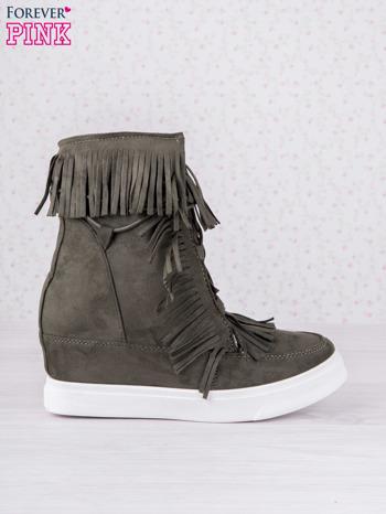 Ciemnozielone zamszowe botki sneakersy Chalotte na ukrytym koturnie z frędzlami                                  zdj.                                  1
