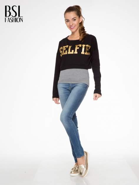 Czarna bluza cropped ze złotym napisem SELFIE                                  zdj.                                  2