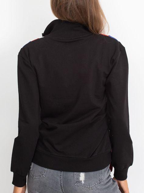 Czarna bluza dresowa z trójkątną aplikacją                              zdj.                              3