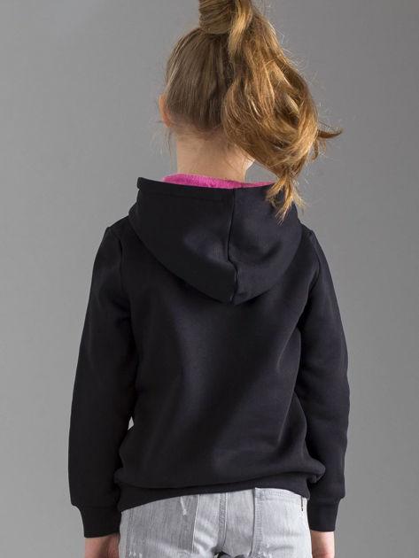 Czarna bluza dziewczęca z futrzanym kapturem                              zdj.                              2