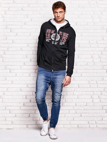 Czarna bluza męska z nowojorskimi motywami                                  zdj.                                  4
