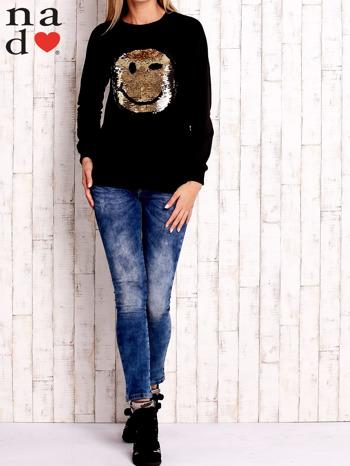 Czarna bluza z dwustronną naszywką z cekinów                                  zdj.                                  2