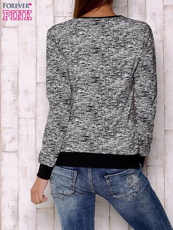 Czarna bluza z literowym nadrukiem                                  zdj.                                  4