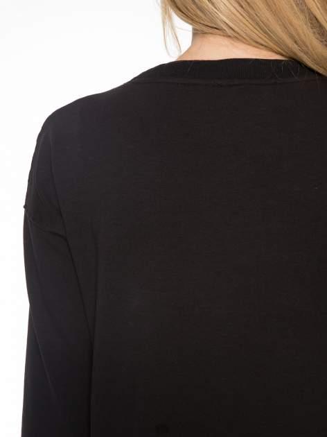 Czarna bluza z luźnymi rękawami o bąbelkowej fakturze                                  zdj.                                  7