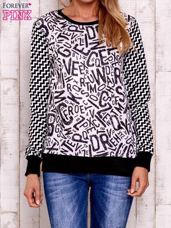 Czarna bluza z nadrukiem liter i graficznym tyłem                                  zdj.                                  1