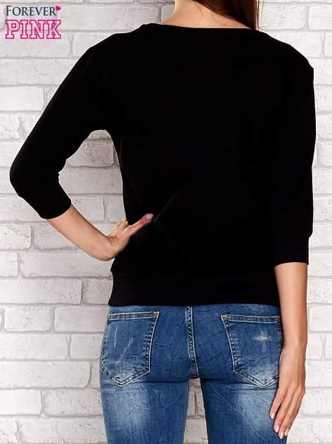 Czarna bluza z nadrukiem pandy                                  zdj.                                  4