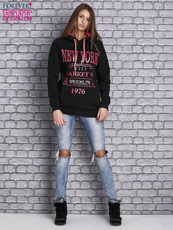 Czarna bluza z neonowymi napisami i wykończeniem kaptura                                  zdj.                                  4