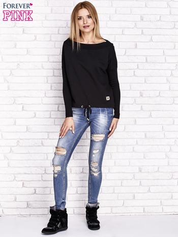 Czarna bluza z szerokim ściągaczem i troczkami                              zdj.                              4