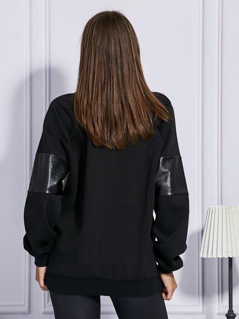Czarna bluza ze skórzanymi wstawkami                                  zdj.                                  2