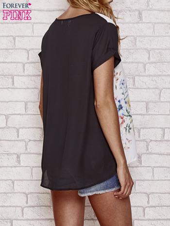 Czarna bluzka koszulowa z nadrukiem kwiatów                                  zdj.                                  4