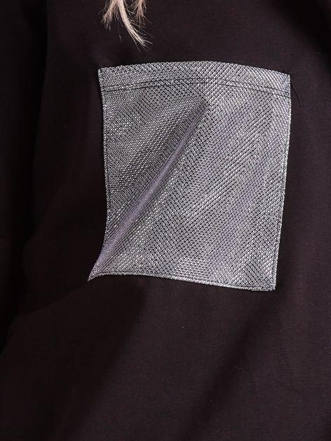 Czarna bluzka oversize ze srebrnymi wstawkami                              zdj.                              6