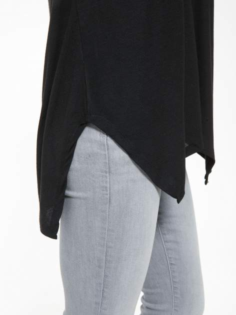 Czarna bluzka z asymetrycznym cięciem na dole                                  zdj.                                  9