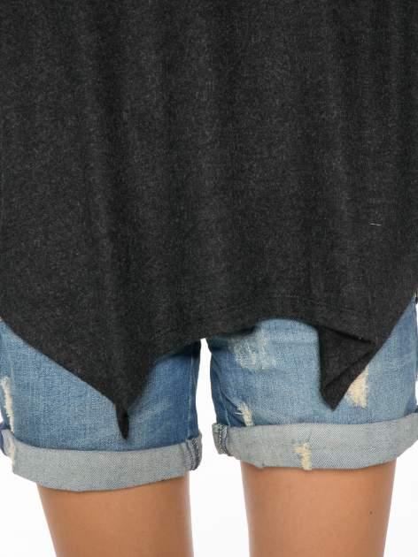 Czarna bluzka z asymetrycznym cięciem na dole                                  zdj.                                  8