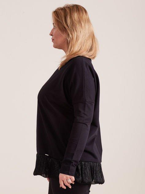 Czarna bluzka z falbanką PLUS SIZE                              zdj.                              3