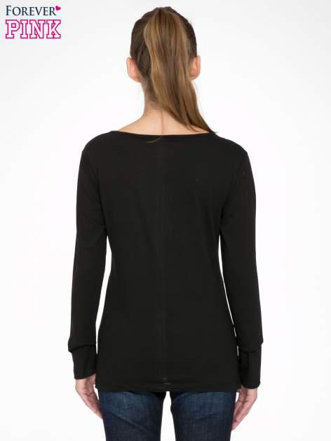 Czarna bluzka z fotografią dziewczyny                                  zdj.                                  4