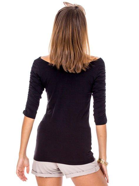 Czarna bluzka z marszczeniem na ramionach                              zdj.                              2