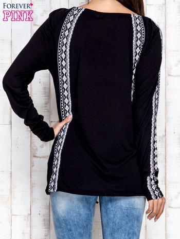 Czarna bluzka z motywami azteckimi i chwostami                                  zdj.                                  4