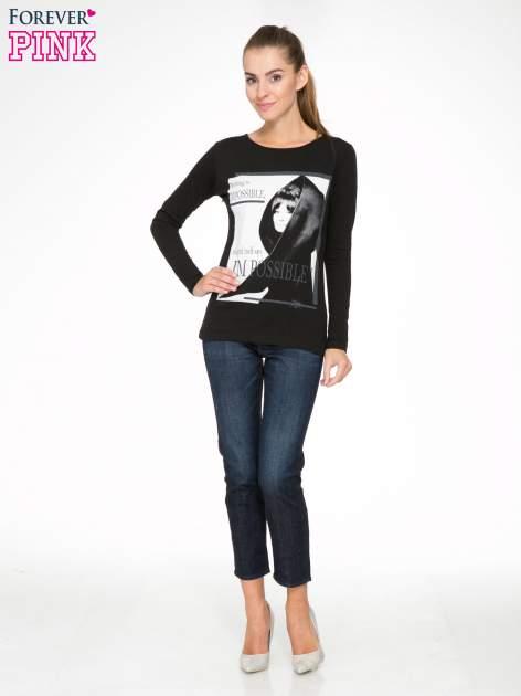 Czarna bluzka z nadrukiem Audrey Hepburn                                  zdj.                                  2