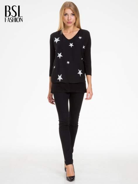 Czarna bluzka z nadrukiem białych gwiazdek                                  zdj.                                  2