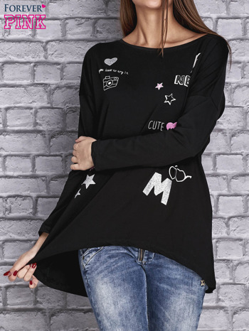 Czarna bluzka z naszywkowymi nadrukami                                  zdj.                                  1