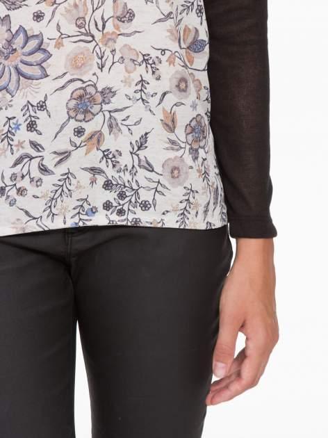 Czarna bluzka z reglanowymi rękawami i kwiatowym przodem                                  zdj.                                  7