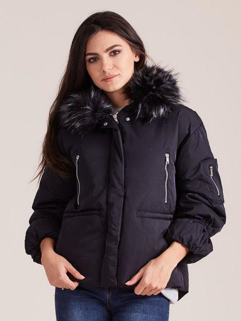 Czarna damska kurtka na zimę                              zdj.                              1