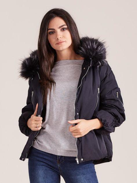 Czarna damska kurtka na zimę                              zdj.                              6