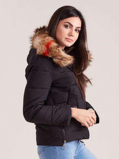 Czarna damska kurtka z kapturem                              zdj.                              3